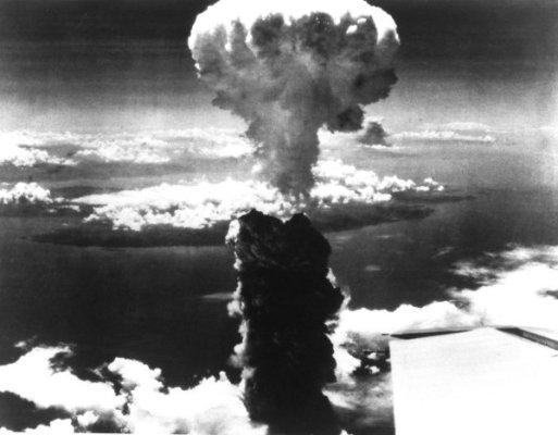 Mushroom cloud over Nagasaki after the d